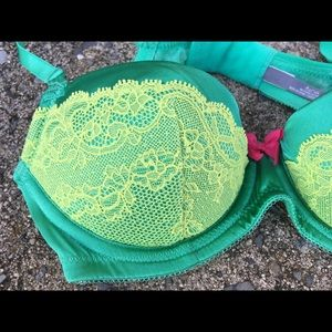 aerie Intimates & Sleepwear - AERIE Padded Green Lime Lace underwire BRA SZ 32 A